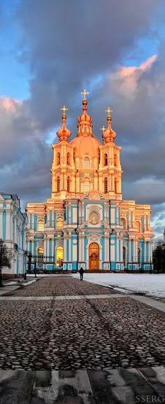 Catedral de Smolny em St. Petersburg, Russia