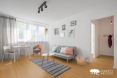 Bambusparkett coffee dunkel versiegelt Scandinavian Style, Apartment Therapy, Spacious Living Room, Interior S, Toddler Bed, Kids Rugs, Stock Photos, Interiordesign, Furniture