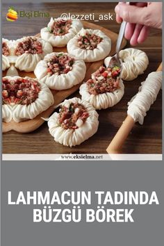 Lahmacun tadında büzgü börek Both taste and flavor, as well as a very nice pie with a magnificent appearance. Here is the recipe Strawberry French Toast, Cheesy Chicken Casserole, French Toast Muffins, Kosher Recipes, Middle Eastern Recipes, Turkish Recipes, Casserole Recipes, Cooking Time, Brunch