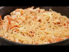 Sweetbread with Chestnut & White Chocolate Shrimp Pasta Recipes, Greek Recipes, Sweet Bread, White Chocolate, Spaghetti, Cross Stitch, Food And Drink, Ethnic Recipes, Kitchen