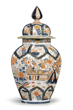 A JAPANESE IMARI BALUSTER VASE AND COVER LATE 17TH/EARLY 18TH CENTURY✖️More Pins Like This One At FOSTERGINGER @ Pinterest✖️
