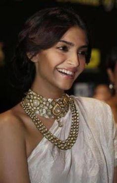 layering kundan necklaces