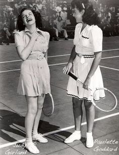 Judy Garland and Paulette Goddard play tennis - via Pictify Hollywood Photo, Old Hollywood Stars, Golden Age Of Hollywood, Vintage Hollywood, Classic Hollywood, Hollywood Couples, Hollywood Icons, Classic Actresses, Actors & Actresses