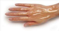 Este tratamento funciona como um verdadeiro spa para as mãos.
