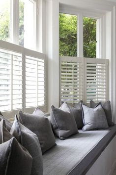 Bow window treatments Want to create a window seat in your bay window? Shutters are streamlined enou Bedroom Windows, Living Room Windows, Blinds For Windows, Bedroom Curtains, Diy Bedroom, Blinds Curtains, Living Rooms, Shutter Blinds, Burlap Curtains