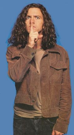 Eddie Vedder of Pearl Jam back in the Grunge hay-day lol his face Matt Cameron, Pearl Jam Eddie Vedder, Hay Day, Chris Cornell, Rock Legends, Cultura Pop, My Crush, Great Pictures, Rock Music