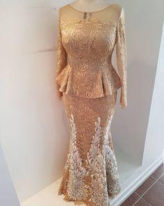 Bespoke skirt and blouse for Moji Onasanya African Attire, African Wear, African Women, African Lace Dresses, African Fashion Dresses, Lace Material Styles, Lace Skirt And Blouse, Big Girl Fashion, Mom Dress