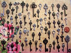 Hey, I found this really awesome Etsy listing at https://www.etsy.com/listing/194179669/62-new-skeleton-keys-brass-charms