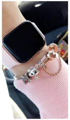 Apple Watch Accessories, Iphone Accessories, Pandora Bracelet Charms, Pandora Jewelry, Apple Watch Fitness, Smart Watch Apple, Apple Watch Bands Fashion, Accesorios Casual, Stylish Watches