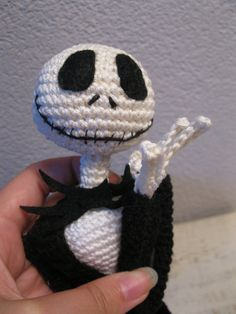 Jack Skellington crochet pattern 16 inch, ready for halloween and chrismas!