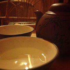 Ya Bao Ye Sheng Cha - clear white from wild tea plant. Interesting flavor.