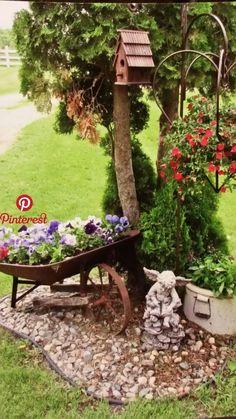 Backyard Garden Landscape, Garden Yard Ideas, Lawn And Garden, Spring Garden, Backyard Patio, Garden Projects, Backyard Landscaping, Garden Pots, Landscaping Ideas