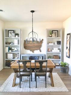 home decor modern farmhouse Cozy Home Office, Home Office Storage, Home Office Design, Home Office Decor, Office Ideas, Office Inspo, Office Layouts, Attic Office, Office Chic