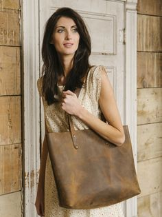 The Love 41 Simple Tote is fast becoming a classic around here. The dimensions of this great-looking, sturdy leather tote make it ideal for use as a book bag, running to the market, a day at the beach, a diaper bag, or for a weekend getaway.