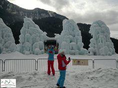 Bom dia! 28/02/2016: nas Dolomitas com os clientes da China. Sem sol? Não tem problema, a excursão é sempre um sucesso!   #dolomitas #passeios #roteiros #italia #viajar #guianaitalia
