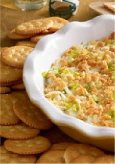 Kickoff Popper Dip – Topped with a sprinkling of buttery cracker crumbs, this creamy, cheesy dip packs all the flavor of a jalapeño popper in every scoop.