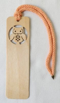 marca paginas de búho con cordon en hilo de algodón tricotin