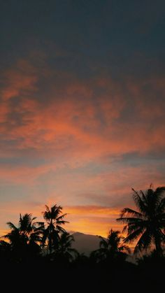 aesthetic langit senja indonesia Aesthetic Pastel Wallpaper, Aesthetic Backgrounds, Aesthetic Wallpapers, Story Instagram, Instagram Story Template, Indonesian Tumblr, Sunset Wallpaper, Sky Aesthetic, Sunset Photography