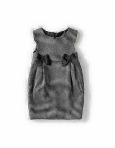 Inspiration for Oliver + S gingham bubble dress with grosgrain or petersham ribb … - Baby Dress Little Girl Dresses, Nice Dresses, Girls Dresses, Dresses For Kids, 50s Dresses, Elegant Dresses, Summer Dresses, Look Fashion, Kids Fashion