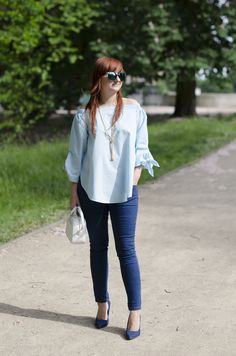 off shoulder blouse jeans  white bag