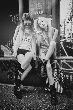 Discover the latest mens and womens urban clothing with BOY London today. Keep up to date with the latest streetwear styles. Visit the Boy London site for more. Hipster Outfits, Hipster Fashion, Grunge Fashion, Girl Fashion, Fashion Shoot, Fashion Addict, Vintage Fashion, Boy London, Rock Style