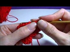 = Nederlands - FFFF - Hartje haken Crochet Stitches, Crochet Patterns, Free Crochet, Knit Crochet, Crochet Bunting, Different Stitches, Crochet Videos, Learn To Crochet, Diy Clothing
