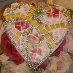Embellished, Mosaicked heart from The Rose Petal Cottage @ rosepetalr.com