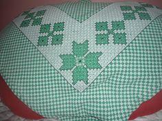 Handmade by Vivi: Barrado bordado em tecido xadrez