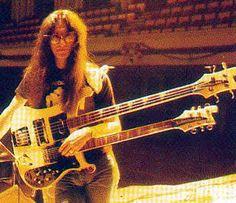 Doob-le neck bass, circa 80-81 (half guitar, half bass, all AWESOME!)