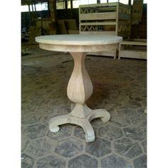 SMALL TABLE CURLY MINDI WOOD NATURAL WHITE WASH