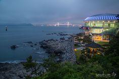 Dusk Gwangalli Bridge from Dongbaek Island, Busan, South Korea http://www.saeah.com/Korea-Japan/i-z42QFPr/A