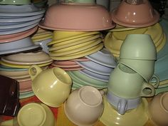 Collecting Vintage Melmac Dinnerware : History and Information ( Good Grief not only clothing I grew up with but tableware now referred to as Vintage-  Time marches on)
