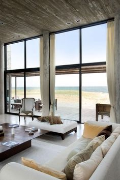 49 Popular Summer Modern Minimalist Living Room Decor Ideas - With the many styles, materials, themes, and types of living room furniture available, you have a wide range of options in decorating to choose from. Modern Living Room Table, Modern Minimalist Living Room, Coastal Living Rooms, New Living Room, Living Room Modern, Living Room Designs, Living Room Decor, Luxury Living, Cheap Home Decor
