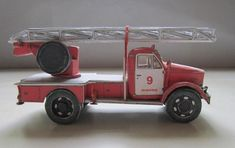 This paper model is an Alg-17 Fire Engine, based on the UAZ-51 truck, the papercraft is created by Nova. There are 1:43 and 1:32 two scale versions. You ca