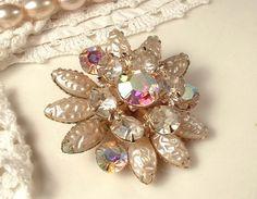 Vintage Brooch OR Hair Comb Ivory Baroque Pearl & by AmoreTreasure