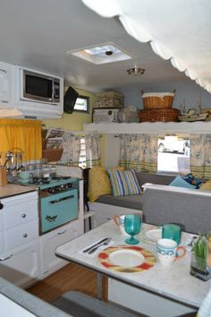 vintage travel trailer interiors | Vintage Camper - beautiful interior