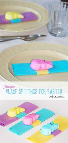 These table place settings for Easter are so easy! All you need are peeps and napkins to add a little pizzazz to your Easter table. Table Place Settings, Easter Table Settings, Easter Table Decorations, Easter Decor, Easter Centerpiece, Easter Peeps, Easter Treats, Easter Food, Easter Recipes