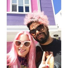 Those who Manic together, stay together! This adorable pair (IG's @jaimeleemajor & @izzyfontaine) got matching Cotton Candy Pink dos from Penny & Peach in Perth!