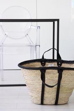 Homevialaura | Tine K Home | Basket bag for summer | Kartell Louis Ghost chair