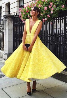 A-Line Deep V-Neck Ankle-Length Yellow Satin Prom Dress with Appliques.  Abito Da Sposa GialloAbiti Estivi ... fbdec100287