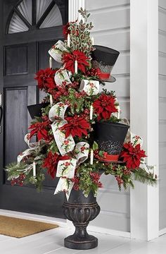 Top hat holiday tree