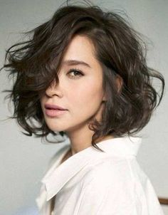 Messy Short Dark Brown Haircuts for Wavy Thick Hair
