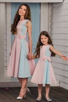 25 Lovely Mommy And Daughter Outfits Mommy Daughter Dresses, Mother Daughter Matching Outfits, Mother Daughter Fashion, Matching Family Outfits, Little Girl Dresses, Mom Daughter, Girls Dresses, Mom And Baby Outfits, Kids Outfits