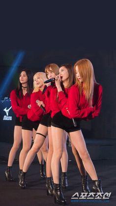 Junghwa, Hyerin, Hani, L.E, Solji