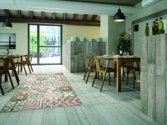 Maak een combinatie van keramisch hout met vintage tegels!