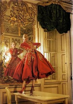 Jessica Stam in Christian Dior Haute Couture photographed by Corinne Day for Vogue UK October 2007 Dior Haute Couture, Style Couture, Couture Fashion, Jessica Stam, Vogue Uk, Vogue Photo, Foto Fashion, High Fashion, Vogue Fashion