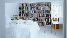 liv_idees_upnodwmatio@2x Vintage Fans, Home Decor Inspiration, Master Bedroom, Bookcase, Sweet Home, Shelves, Master Suite, Shelving, House Beautiful