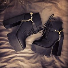 Clarks Shoes, Boot styles And A Lot More for People High Heel Boots, Heeled Boots, Shoe Boots, Ankle Boots, High Heels, Shoe Bag, Dream Shoes, Crazy Shoes, Me Too Shoes