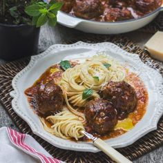 Family Fare, Italian Style Italian Style, Spaghetti, Menu, Ethnic Recipes, Food, Menu Board Design, Eten, Meals, Noodle