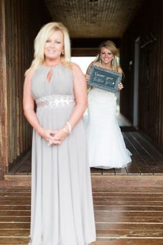 Unique wedding day photo idea - this bride did a first look with her mom! {Frozen Exposure Photography + Videography}